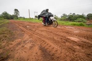 Mit dem Motorrad auf schlechten Straßen