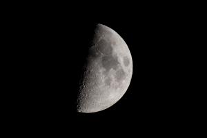Mond_4