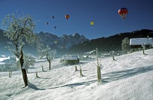Ballone über Gosau